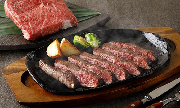 A5ランク黒毛和牛の「うちもも」使用。肉通も納得するステーキ