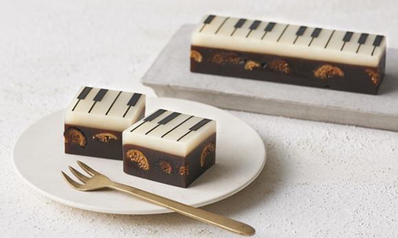 目でも舌でも楽しめる、ピアノデザインの羊羹