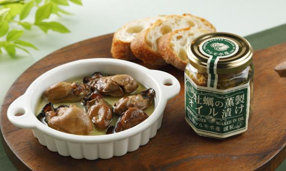 牡蠣の濃厚なコクと、芳醇な薫製の香りがマッチ