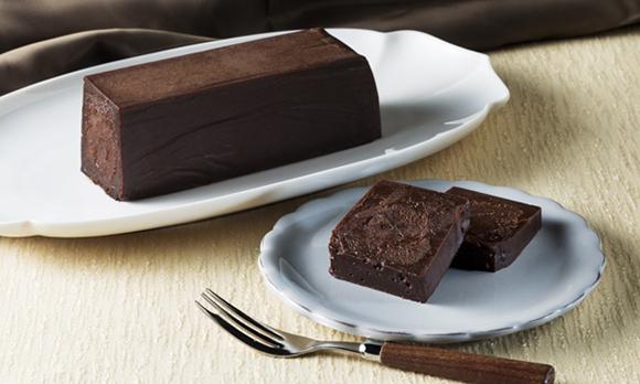 希少なカカオ豆を使用した、ねっとり濃厚なガトーショコラ