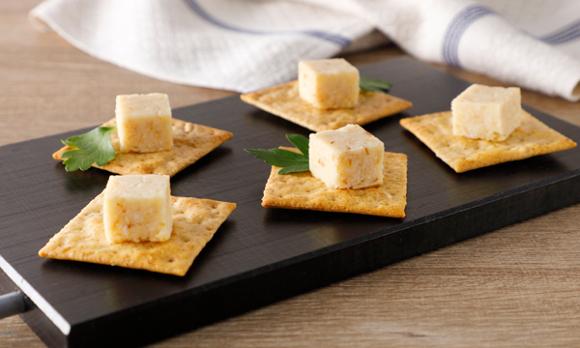 つーんとした山わさびがアクセント。十勝産素材にこだわったチーズ