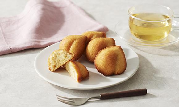 機内食の茶華としても採用された、白桃の焼き菓子