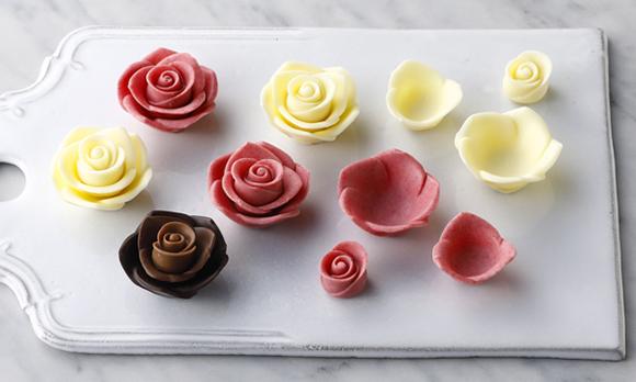 開けた瞬間に歓声が上がる、チョコレートで作る薔薇のブーケ