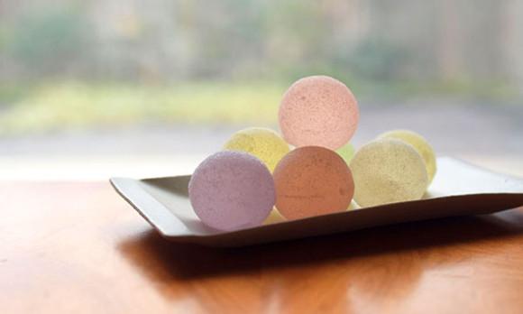 涼しげな見た目にうっとり。5つのフレーバーが楽しめる和菓子「ゆうたま」