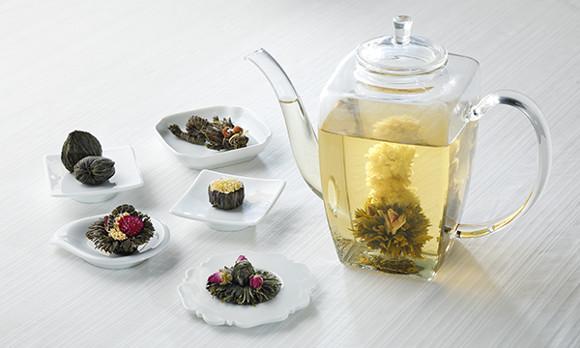 ゆっくりと開いていくお花にくぎ付け♡ 「花咲くお茶 康藝銘茶」