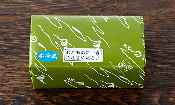 鮎のリエット・白熟クリーム木箱入りの包装画像