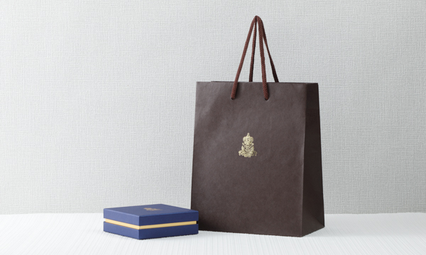 ロワイヤルボンボンの紙袋画像