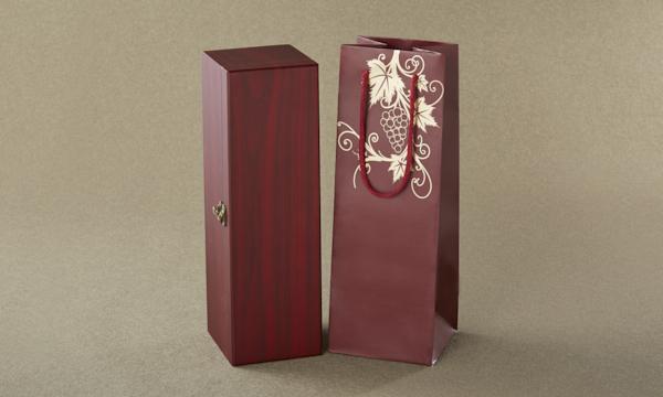 ワイン界のカリスマが手掛ける'本気'を伝えるボルドーワイン・シャトー・フォントニールの紙袋画像