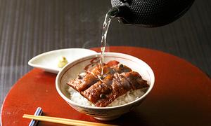 魚三楼の鱧茶漬(梅肉風味)