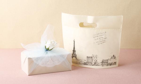 もっちり食感の手作りミルクレープ5種食べ比べセットの紙袋画像