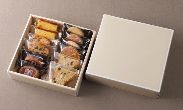焼き菓子詰め合わせの箱画像