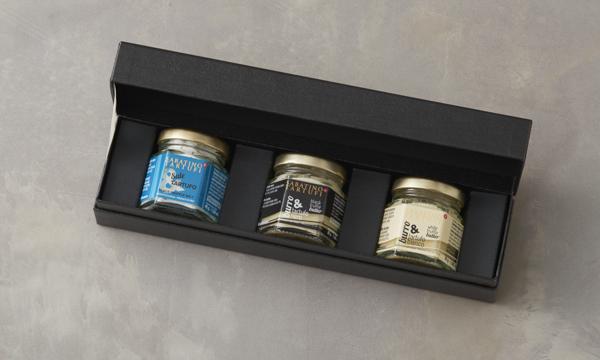 トリュフセット(白トリュフバター、黒トリュフバター、トリュフ塩)の箱画像