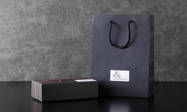 燻製詰め合わせ(梅山豚・山形尾花沢和牛・鮑)の紙袋画像