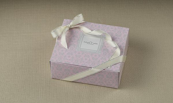 白トリュフチーズケーキの包装画像