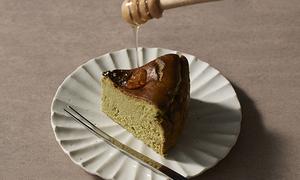 一金一茶 〜抹茶のバスク風チーズケーキ〜