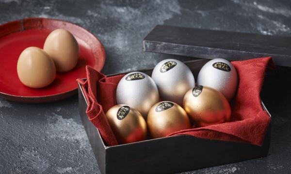鳥骨鶏ゴールデンエッグ(黄金・白銀)セット 【燻製卵】の内容画像