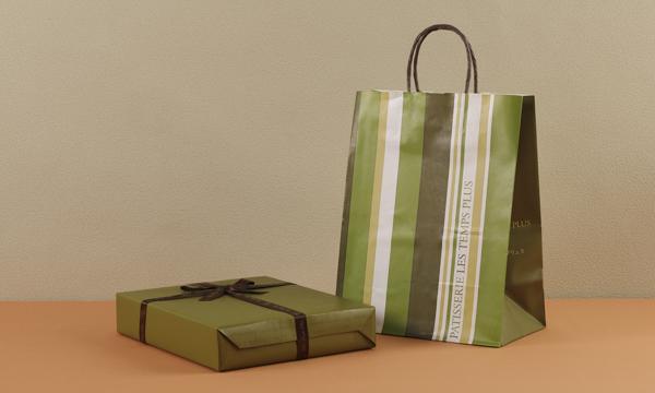 マドレーヌ・ヴィジタンディーヌ詰め合わせの紙袋画像
