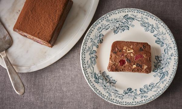グリオットチェリーとヘーゼルナッツのチョコテリーヌ