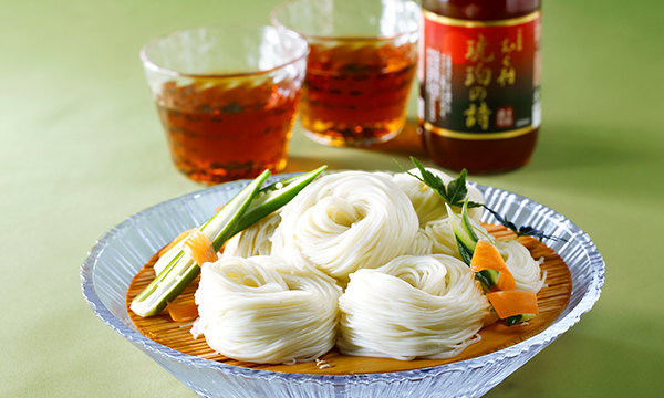水前寺のり素麺「珀翠」とサクラン入り麺つゆ「琥珀の詩」揃えの内容画像