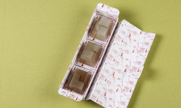 京料理 梁山泊 謹製 おみづがし 泉殿IZUMIDEN(3個入り1セット)の箱画像