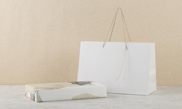 嘉ぎの紙袋画像