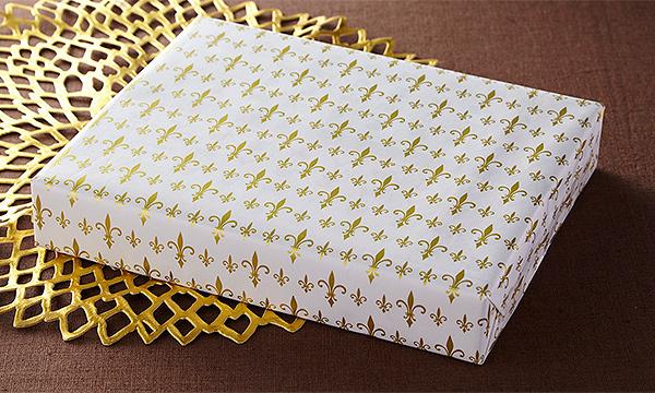 「佐渡チーズと佐渡番茶の淡塩スティックパイ」「佐渡レモンと佐渡バターの小雪ぼーる」の包装画像
